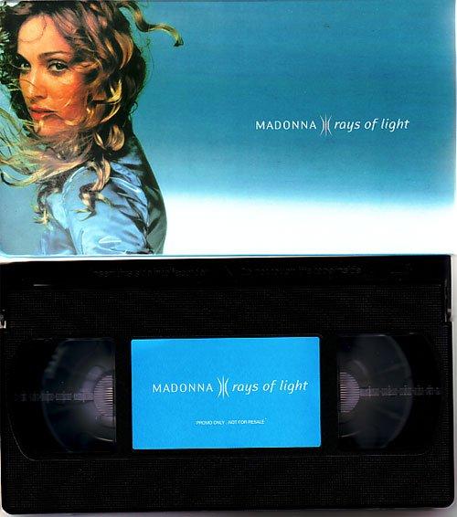 p-81-Madonna_-_Rays_Of_Light_promo_videotape.jpg